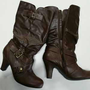 Maurices brown slouch heeled boots 7.5